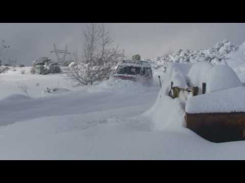 My Isuzu Trooper 4X4  Plowing Snow