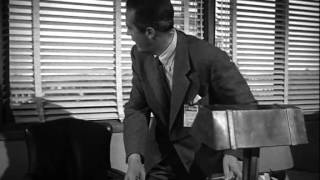 The Thief (1952) - Almost caught