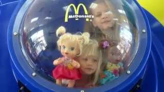 getlinkyoutube.com-BABY ALIVE PLAYS AT McDONALDS AND EATS HAPPY MEAL!  By the Baby Alive Channel