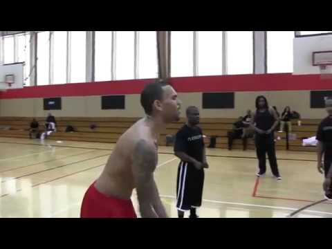 Chris Brown & Ne-Yo Vs Kevin Hart In Basketball For 10 Stacks