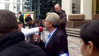 Protestul primarilor la Parlament filmat de Tudor Pînzari
