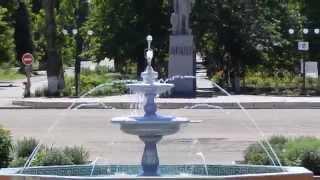 getlinkyoutube.com-Фонтан в городе Молодогвардейск.