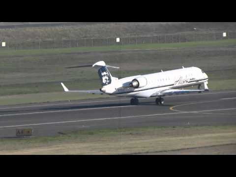 Alaska Airlines CRJ700 Takes Off From PDX On Runway 10L