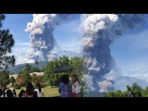 Землетрясение в Индонезии: количество жертв возросло и началось извержение вулкана