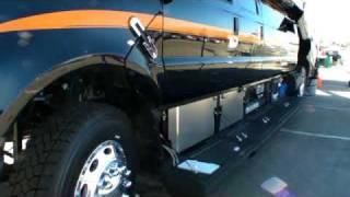 getlinkyoutube.com-超豪華かつ機能的なモンスタートラックをご紹介!