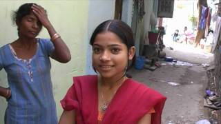 getlinkyoutube.com-Young girl in Delhi Slum, India.