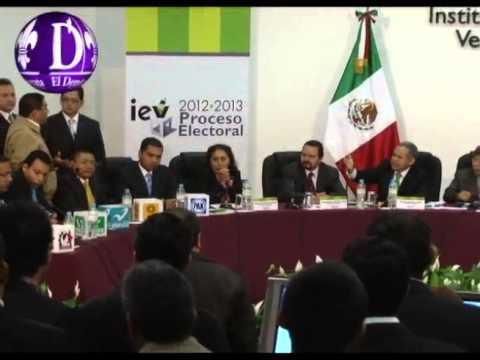 Fredy Ayala irrumpe la sesión del IEV