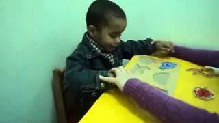 جلسة تعديل سلوك لطفل توحدي في مركز إرادة