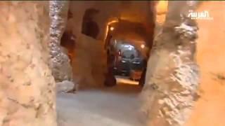 getlinkyoutube.com-أردني قاده عشقه للآثار لاكتشاف كهف قديم تحت منزله.
