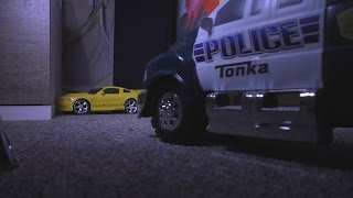 getlinkyoutube.com-CRAZY POLICE CHASE Ford Mustang Toy Cars Kids FUN! Action!
