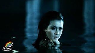 getlinkyoutube.com-Syahrini - Kau Yang Memilih Aku (Official Music Video)