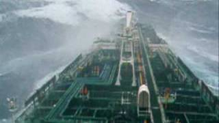 getlinkyoutube.com-Tanker in big storm