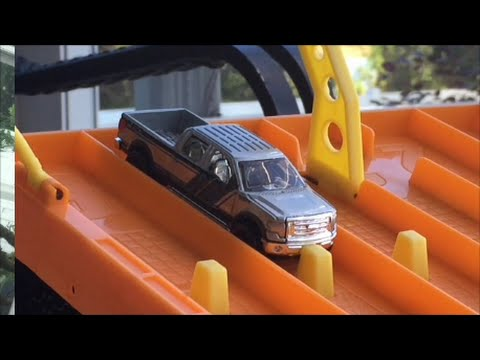 HOT WHEELS DRAG RACING KING OF THE HILL 10/14