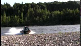 getlinkyoutube.com-River Boat runs rocks then Jumps