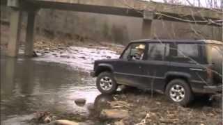 getlinkyoutube.com-Isuzu Trooper all dirt road trip turns into creek recovery