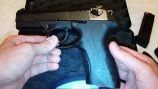 getlinkyoutube.com-Beretta Px4 Storm 9mm Pistol Review