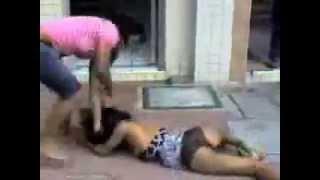 getlinkyoutube.com-pelea muy chevere Colombia) Esposa vs Amante