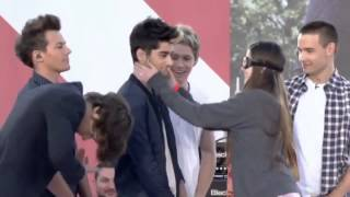 getlinkyoutube.com-One Direction Gets Felt Up on The Ellen Degeneres Show