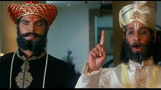 getlinkyoutube.com-Sharman Joshi & Sahil Khan as fake Maharaja Of Janakpur - Xcuse Me - Best Comedy Scenes