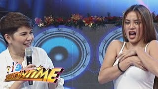 It's Showtime Copy-Cut: Girltrend Sammie puts ice cubes on her armpits