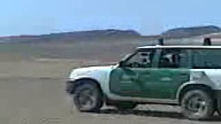 getlinkyoutube.com-الدرك الوطني يسطاد الغزال في الصحراء