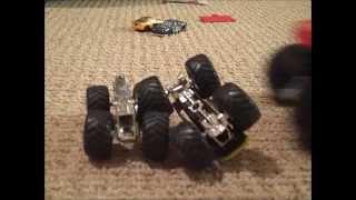 getlinkyoutube.com-Monster Truck Crashes