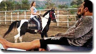 getlinkyoutube.com-Salman Khan Teaches Girlfriend Iulia Vantur Horse Riding At His Farmhouse