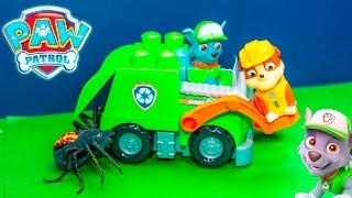 getlinkyoutube.com-PAWPATROL Nickelodeon Ionix JR Rocky Recycling Truck New Toys Surprise Video