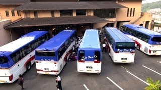 getlinkyoutube.com-この状態からどうやって転回すんのよ?? How to maneuver tourist bus in tight situation. 九州産交 観光バス動画 Tourist Bus movie.