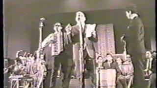 getlinkyoutube.com-Raj Kapoor presents Shankar Jaikishan live 1970