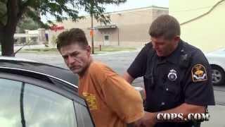 getlinkyoutube.com-Punched in the Nose, Officer John Villwok, COPS TV SHOW