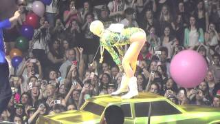 getlinkyoutube.com-Miley Cyrus- Love, Money, Party Bangerz Tour VANCOUVER