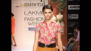 getlinkyoutube.com-Lakmé Fashion Week 2012: Bhairavi Jaikishan and Priyadarshini Rao