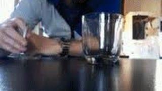 getlinkyoutube.com-Секрет интересного трюка жидкий дым в стакане приколы