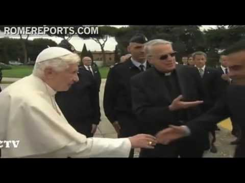 Benedict XVI receives electric car