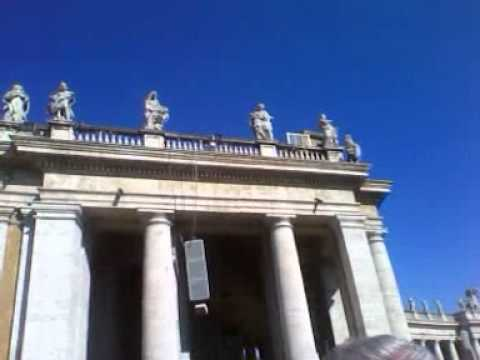 Man climbs up Vatican colonnade and burns a Bible