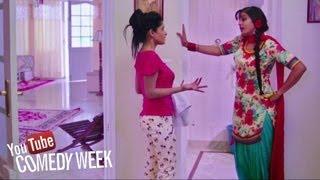 getlinkyoutube.com-Girls Fight - Comedy Scene from Latest Punjabi Movie of 2013 - Pooja Kiven Aa | Comedy Week