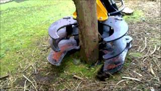 getlinkyoutube.com-LMS Scorpion 440 Tree Shear - shears trunks/limbs to 440mm. Huge time and labour savings.