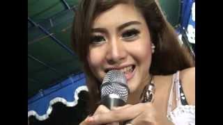getlinkyoutube.com-Dangdut Koplo HOT PERGI PAGI PULANG PAGI - Eka Fatmala Live 2015