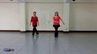 Kiss Me Honey Honey - Line Dance (by Hilary Usher) width=