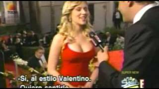 getlinkyoutube.com-Scarlett Johansonn gets boobs touched in red carpet