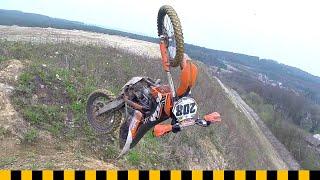getlinkyoutube.com-Enduro Crash Test