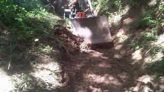 getlinkyoutube.com-MALOTRAKTORY UPRAVA CESTY 2)pasový traktor Bulgar tl 45 diesel.