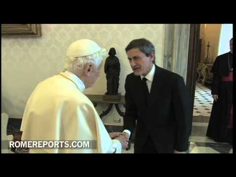 Pope meets with Rome's local government