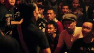 getlinkyoutube.com-Celtic Punk And Ska @ Tomora Cafe Yogyakarta