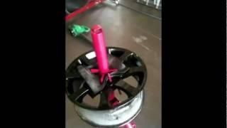getlinkyoutube.com-Installing a tire using harbor freight, mojolever, no mar paste