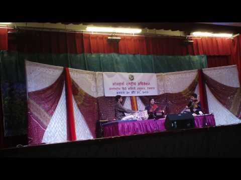naina milayee ke by Khusro sung by Rekha Surya at Hindi convention Houston in August 2013