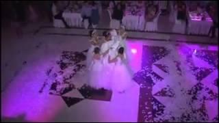getlinkyoutube.com-أجمل و أحلى و أروع دخلة لعروس تركية فاجئت زوجها برقصة لا مثيل لها