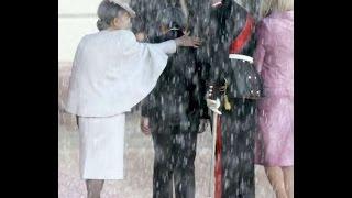 getlinkyoutube.com-【ノルウェー国民が感動】皇后美智子さまのノルウェー王妃に対するお気遣い