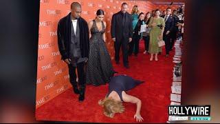 getlinkyoutube.com-Top 6 MOST AWKWARD Red Carpet Moments!!